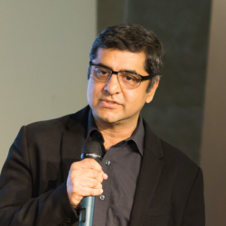 Image of Lalit Jagtiani, who discusses omnichannel strategies in retail